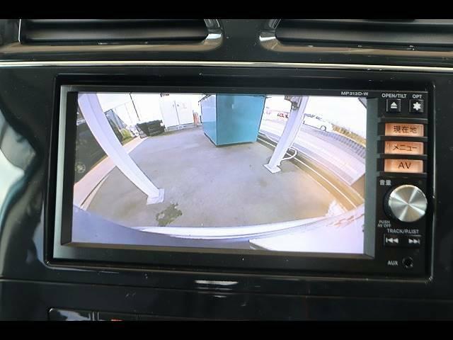 純正7型SDナビ搭載★フルセグ視聴やブルートゥース等機能も充実しております。