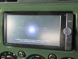【純正ナビ】フルセグテレビやブルートゥース接続、DVD再生など多彩な機能を併せ持っており、インパネ周りがすっきりしてますね!