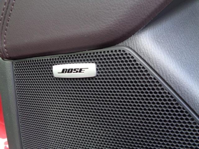 BOSE社と共同開発された専用設計のオーディオシステム搭載!こだわりの音響空間で愉しいドライブを!