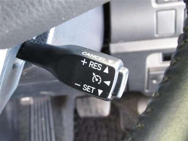 ★高速道路などでの一定速度での長距離走行のときに威力を発揮するアイテム、クルーズコントロール装着済みです!アクセルを踏まずに速度を維持してくれるので右足の疲労も低減できます。