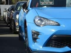 SUV・RV・スポーツ・輸入車 各種取り扱っております。人気のハイブリット車や絶版スポーツ車など品揃え豊富♪