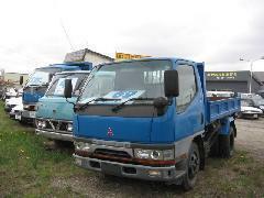 当社の自信の小型トラックを展示しています!もちろん展示場にない車も全国からお探し致しますので、ご相談下さい!