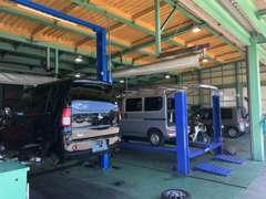 自社認証工場併設してますので、車検・点検・整備も安心してお任せください!