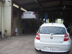 自社工場で整備、鈑金、塗装まで安心してお任せください!!お車の購入だけでなく、お客様のカーライフをサポートいたします。