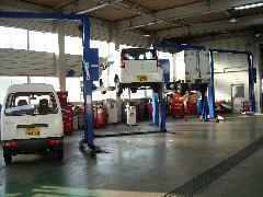 認証工場隣接!!車検・鈑金塗装・カーリース・レンタカーをメインに「働く人を応援する」をモットーに頑張っています!