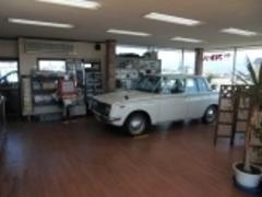 ☆商談ルーム☆         珍しい車が置いてあるので見に来てください。
