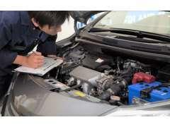 認証工場を完備!メンテナンスもお任せください。さらに中古車販売のプロ!中古自動車販売士も常勤しています。