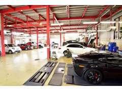 リフト8基・各輸入車に対応したテスターに車検場完備しておりアフターケアも承ります。