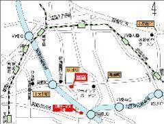 高崎ICから伊勢崎方面に出て1分、京目町交差点角の分かりやすい場所に当店はございます。遠方の方も是非お越しください!