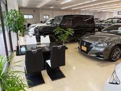 キレイな商談ルームで、ゆっくりとお車選びをお手伝いいたします♪