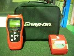 スナップオンの診断機です。最近の車は電子制御が多いため彼の存在は欠かせません!