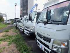 第三京浜都筑インター横。豊富なラインナップの中からお探しの車両をどうぞ!