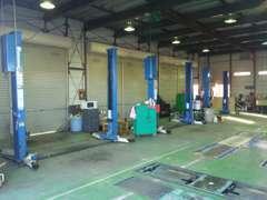 指定工場併設!整備、車検、修理、保険など何でもご相談下さい!
