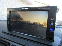 カラーバックカメラが装備されております♪後ろは死角ですのでカメラがあれば安心してバックできますね♪DVDの視聴もお楽しみ頂けますので車内にいても退屈せずにお過ごし頂けます♪