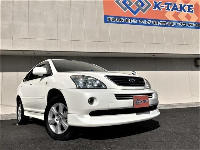 大阪府枚方市にセダン・SUVを中心に『お値打ち価格』で展示している良質中古車専門店です。事故歴修復歴なしの車両限定で取り扱い!。関西地域で徹底価格かつ良質車をご提供できるよう努めております。
