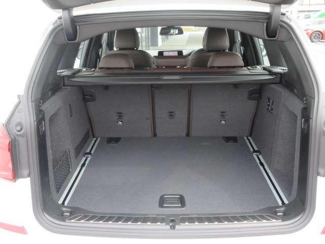 SUVならではの大容量トランクルームです!