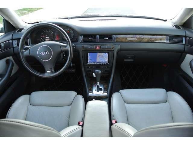内装も使用感少なく綺麗なお車です!