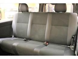 【後部座席】ダークプライムII特別仕様のベンチシートです!