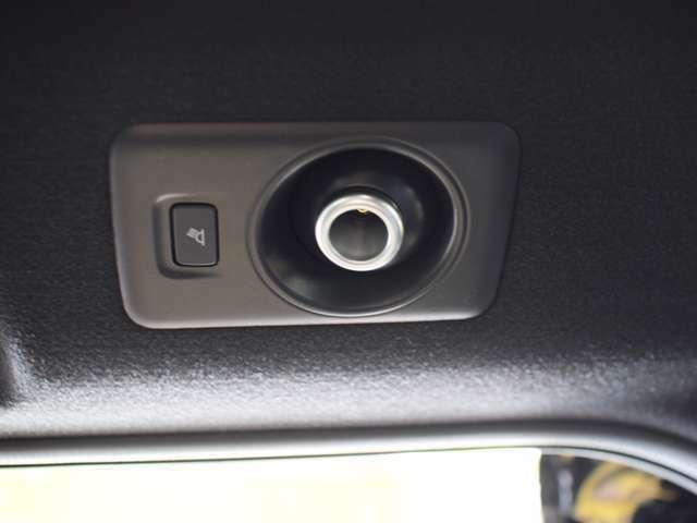 こちらのルームランプで車内で読書、仕事も可能☆☆www.crs9000.com