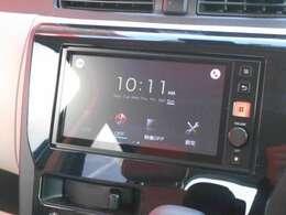日産オリジナルディスプレイラジオです。ラジオ・USB接続・Bluetoothオーディオなどができます。