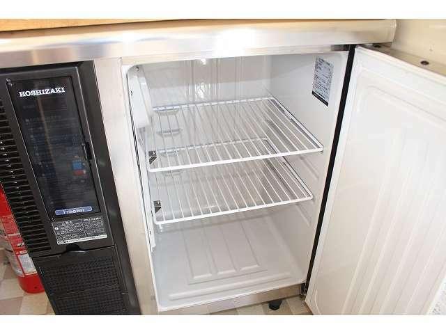 ホシザキ製1枚扉冷凍庫装備となっております♪
