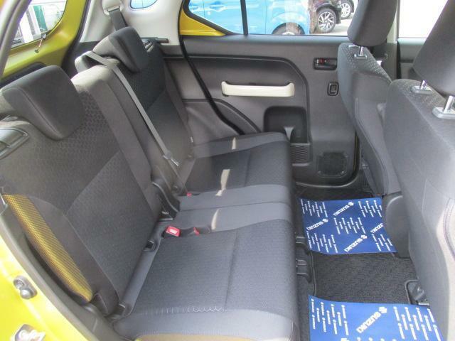 後部座席はユッタリくつろぎスペース!みんなで快適なドライブを楽しもう♪