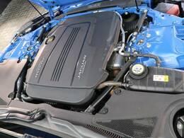 ダイナミックなパフォーマンスを引き出すインジニウム2リッター300PSターボチャージドガソリンエンジンは、ドライビングの歓びと効率性を高次元で両立!街乗りも高速も山道も快適なドライブをお楽しみ下さい!