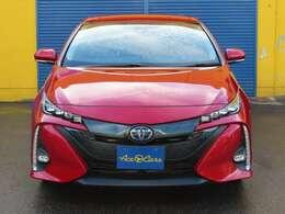 販売車輌には鑑定制度も導入しております。クルマの鑑定を行う第三者機関、NPO法人、日本自動車鑑定協会(JAAA)に車輌検査を依頼し各車輌ごとに品質認定書を発行しております。