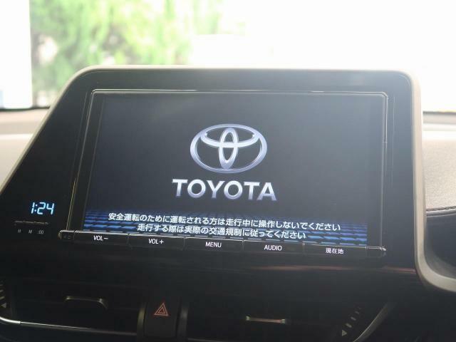 純正ナビ!!DVD再生やフルセグTVの視聴も可能です☆高性能&多機能ナビでドライブも快適ですよ☆