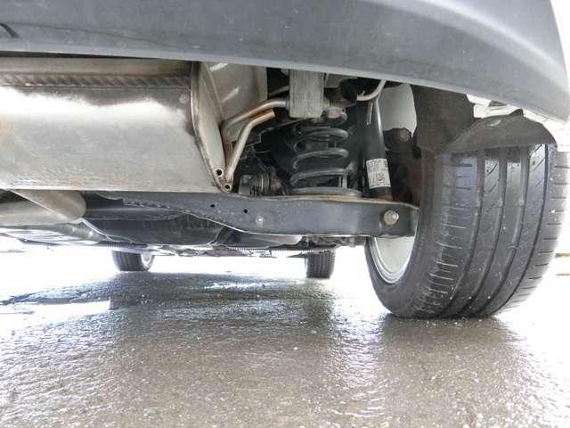 本州仕入車に付き下回りの錆はとても少な目で状態良好