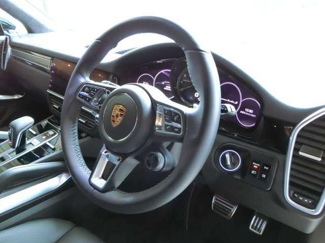 【OP】オプションのレーンキープに加え、レーンチェンジアシスト、ACC、ブレーキウォーニングおよびブレーキアシストといった運転支援機能も充実しておりますので、安心してドライブをお楽しみいただけます。