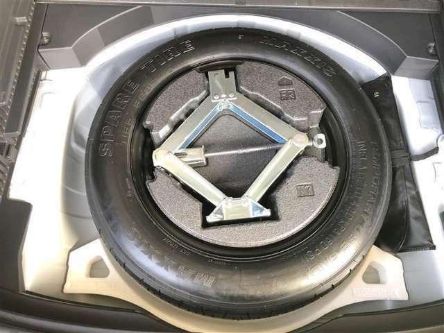 スペアタイヤが付いているのでパンク時も安心です。