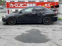 スポーツカーの事ならお任せください。当店基本点検整備に、スポーツカー専用のチェック項目をプラスして、リフト完備の自社工場にて、整備士がしっかり点検整備後、日本全国どこへでもご納車させて頂きます。