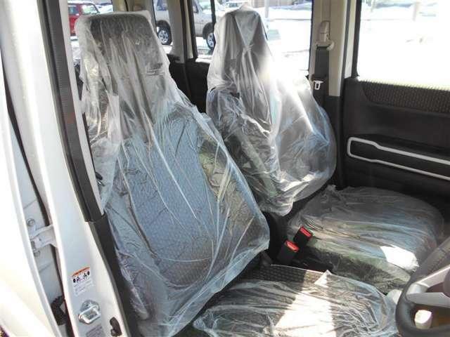 【室内ピッカピカ】 登録済(届出済)未使用車両なので、室内は綺麗な状態です♪ 納車前にはさらに掃除をするので、一層ピッカピカです♪