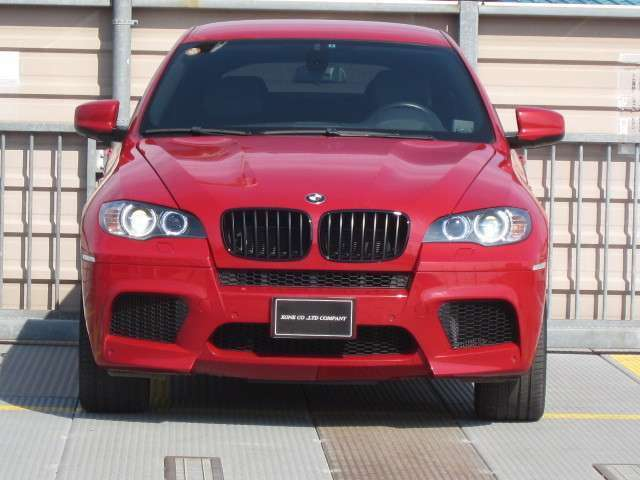 X6 M 4.4/4WD /左ハンドル/ディーラー車/車検2年 付/8.2万Km/HDDナビ/パワートランク/シートヒーター/バックカメラ/電動シート