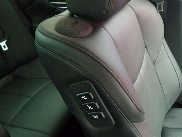 高級車ならではの電動シートが付いてます!