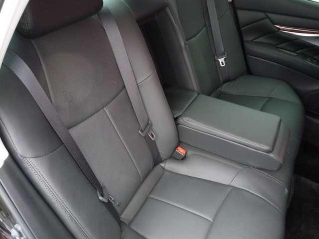 後部座席もしっかりとした造りで、同乗者も疲れにくいです!