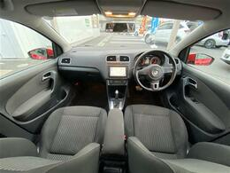 ◆運転席と助手席の内装です。いろいろとご紹介していきますね♪