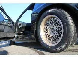 タイヤもグッドイヤー205/60R15の新品タイヤ装着のお車となっております!納車整備後は、早乗り出し可能です☆