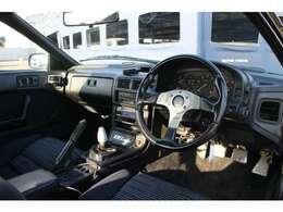 車内は、至ってシンプルな内装の仕上がりになっております。