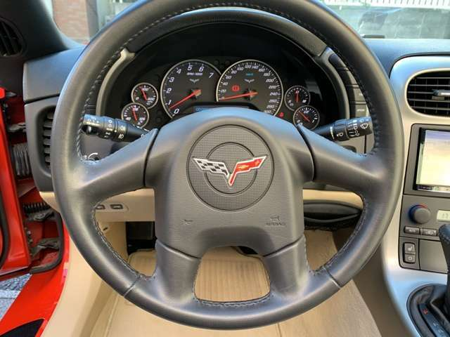 C6 6速AT 6000ccモデル タルガトップ!稀少ビクトリーレッドの6リッター6速ATモデル入庫!走行2万km台のフルオリジナル車で内外装共に驚く程綺麗に保たれています!