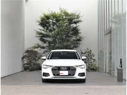 ラーが都会的な建物にも非常に良く映えます。クール・知的。Audiの持つ「品の良さ」が伝わってきます。