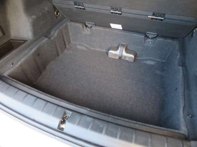 床下にも十分な荷物を積み込み可能なスペースが広がっております。