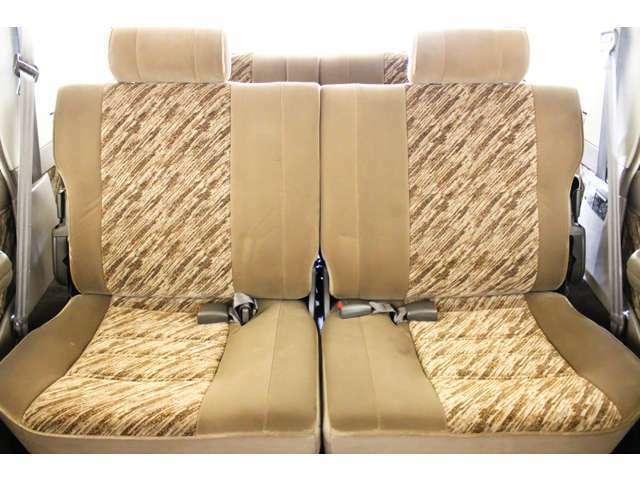 2列目シート付☆★リアシートは成人男性でもゆったり座っていただける居住空間になります★