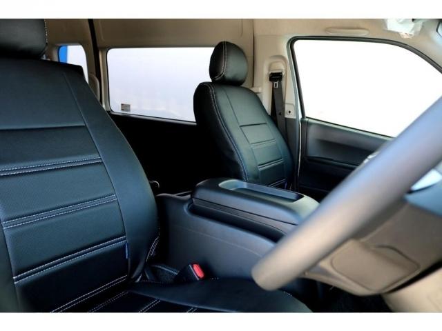 運転席、助手席にはシートカバー装備!!