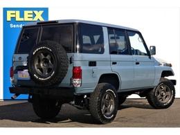 背面タイヤも装着ホイールと同じブラッドレーVで揃えてあります★全てNEWペイントなのでキズ等は無い状態となりますので、現車確認が難しい方もご安心ください♪