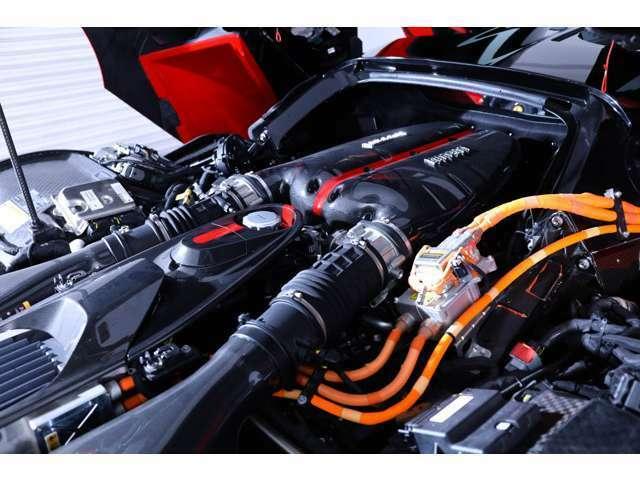 6.3L V型12気筒+「HY-KERS」 HY-KERSシステムのサポートにより高馬力を発生する次元のスーパーカーとなります!