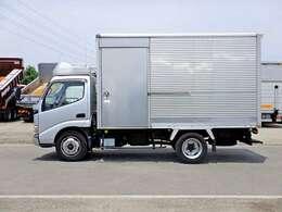 車両総重量6635kg 最大積載量3000kg