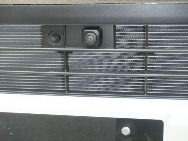 パノラミックビューモニター装着で4つカメラが装着!ナビゲーションに映します