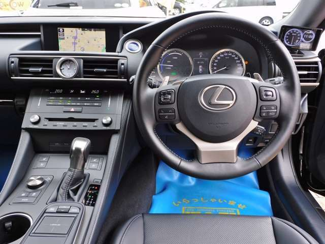 運転席周りです!大変綺麗な状態です!ご覧頂ければ、きっと気に入って頂けると思います!お問い合わせ、ご来店お待ちしております!